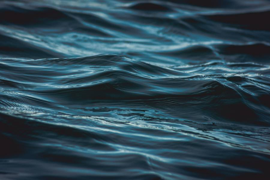 Dark Blue Water Wave free texture