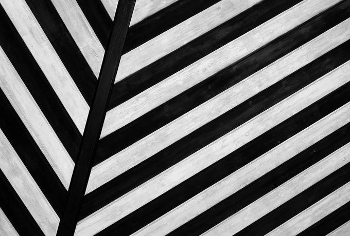 free Black and White Geometric Abstract Lines texture