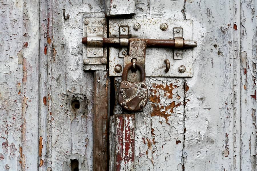 padlock old door free texture & Padlock Old Door - Free Texture