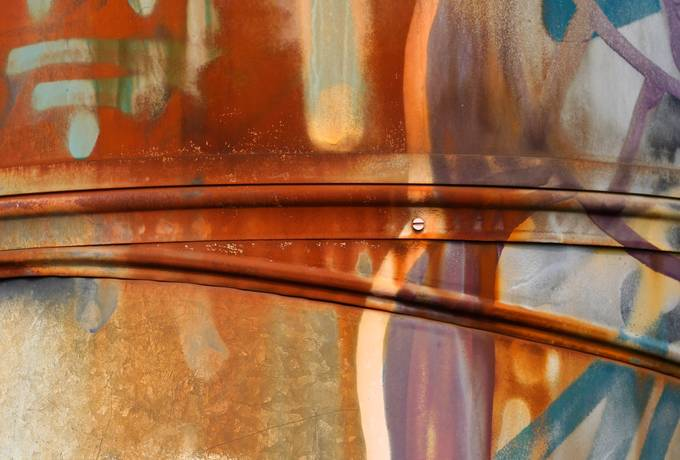graffiti rusty metal