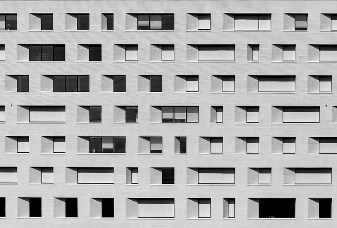 free Windows on Gray Facade of a Building texture
