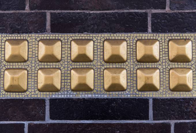 brick gold decor